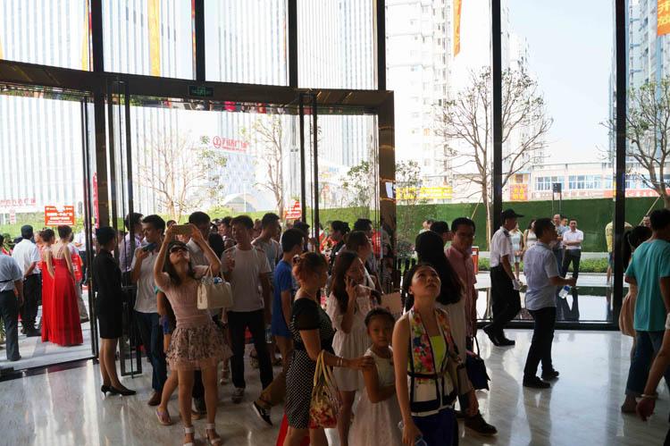 南宁绿地中央广场营销中心盛大开放