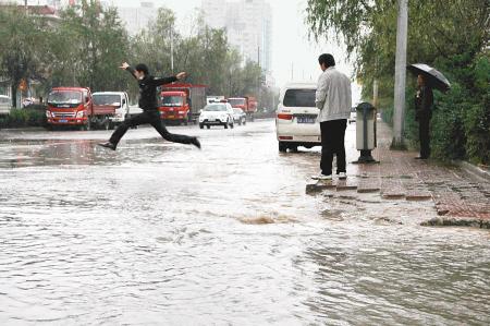南宁4条路面积水道路改造完毕 市民可放心出行