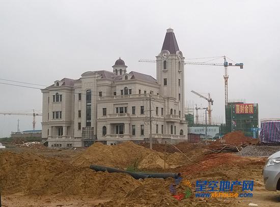 在建的新售楼部.jpg