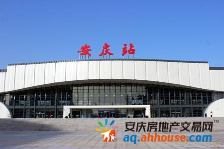 上海火车站有直到北京总站的火车吗 火车票价是多少