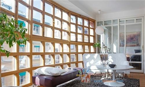 精装小户型欧式客厅阳台一体装修效果图