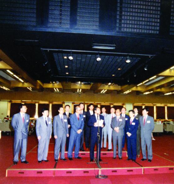 中海地产:一段风云历史,一代地产宗师941.png