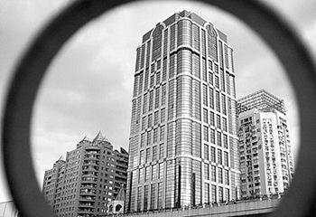 香港地产企业百亿投入内地楼市 多数通过协议拿地