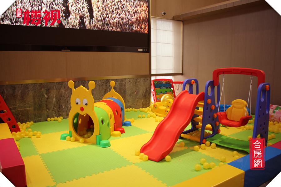 御璟江山售楼部一角——儿童游乐区