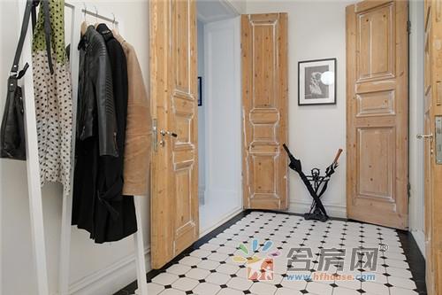 在这个118平米新装修的北欧公寓里,你不仅可以欣赏到室外壮丽的景色图片
