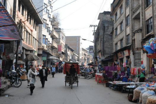 国庆回到三四线城市的家,发现房价又涨了