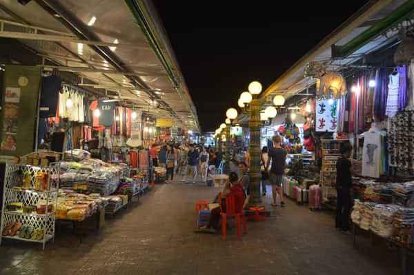 柬埔寨暹粒沿街商铺