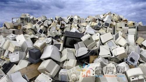 加纳艺术家变电子垃圾为高级家具 唤起环保意识