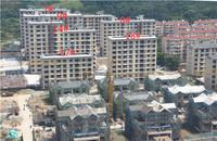荣盛华府7月工程进度:5#楼已建至6层左右