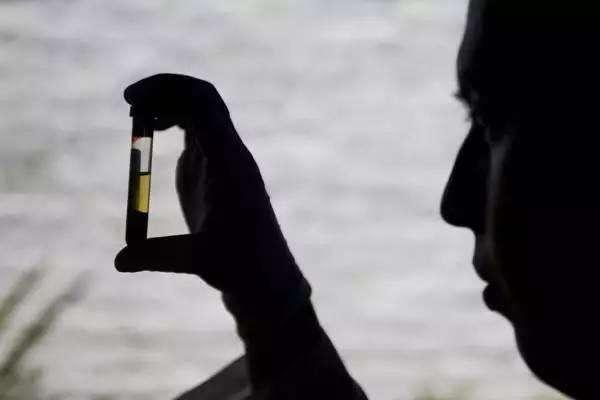 """调查组查出""""第三批次问题疫苗"""" 销往安徽23400支"""