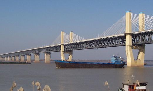 最新进度!商合杭铁路芜湖长江公铁大桥主塔建成