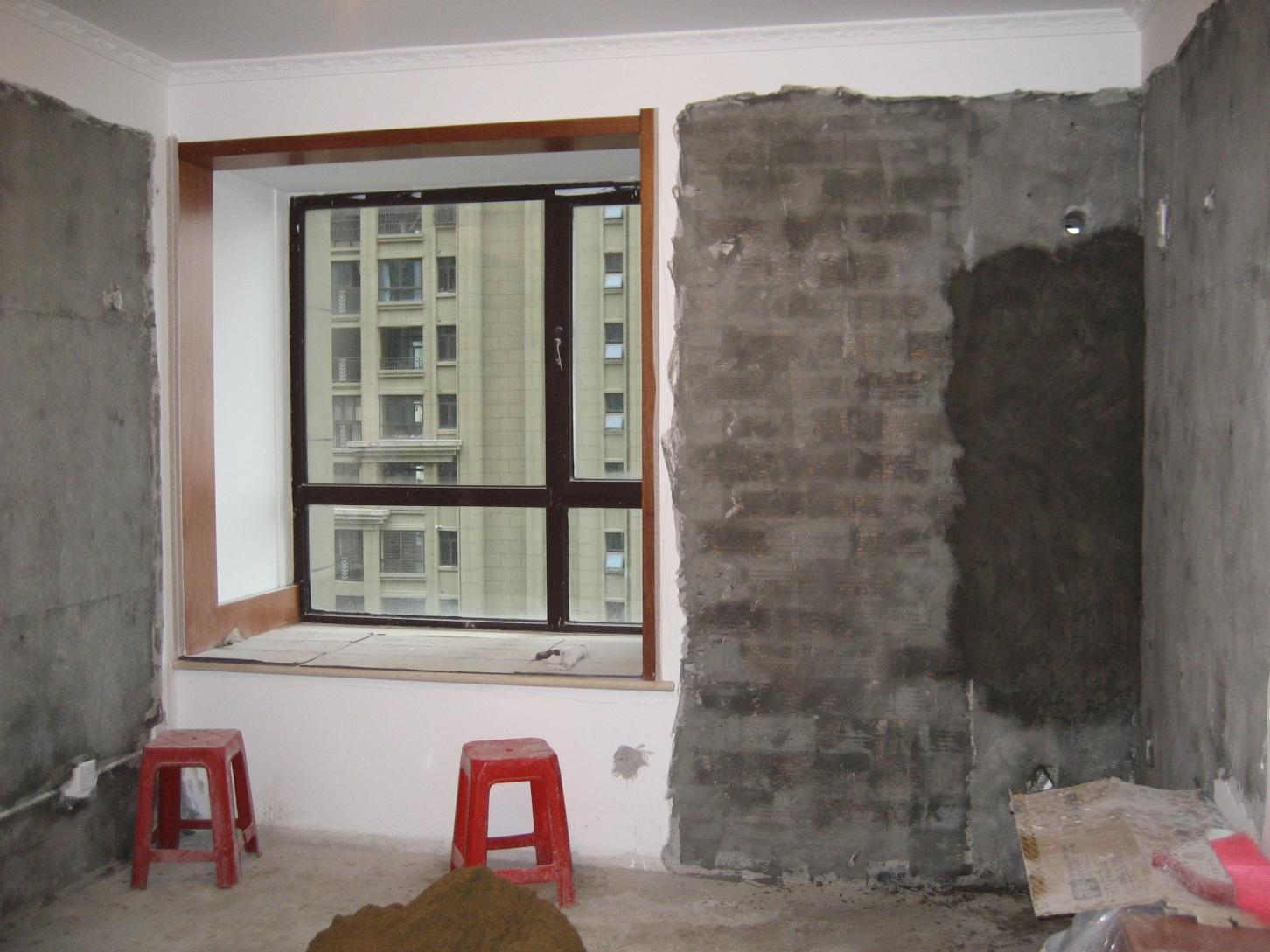 南卧室南墙